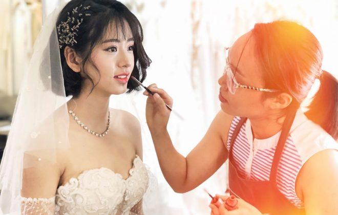 các nàng dâu ưu tiên trong khâu chuẩn bị cưới. Vậy trang điểm cô dâu cần lưu ý những gì? Cùng Hà Dino tìm hiểu trong bài viết dưới đây nhé!