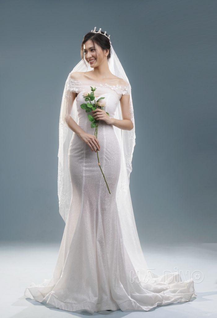 Thì chắc chắn không thể bỏ qua được những thông tin dưới đây. Cùng Hà Dino tìm hiểu những nguyên tắc quan trọng khi chọn váy cưới cho cô dâu gầy nhé!